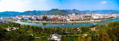 两当县位于甘肃省东南部,陇南东北部,地处南北秦岭之间,县域面积