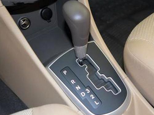 自动挡起步挂什么挡-自动挡停车的正确步骤|自动档和