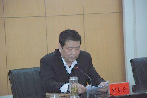 市人大常委会副主任张乔英