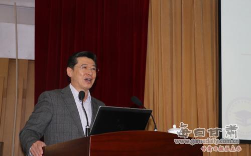 学术委员会委员,天津大学研究生院常务副院长白海力教授,在逸夫科技馆