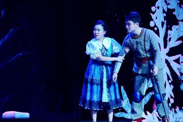 甘肃大剧院原创儿童舞台剧《冰雪奇缘》 升级版荣耀回归一周年