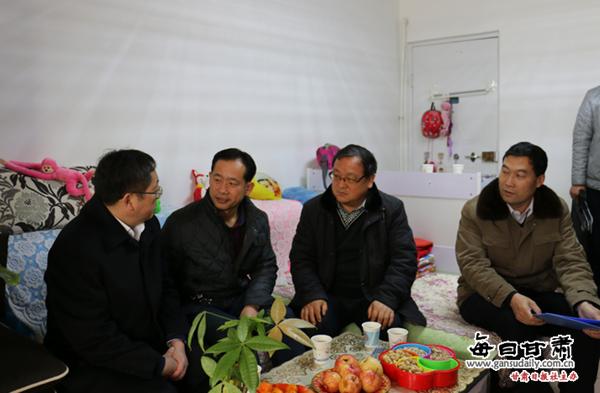金塔县慰问帮扶道德模范-金塔县-每日甘肃-酒泉