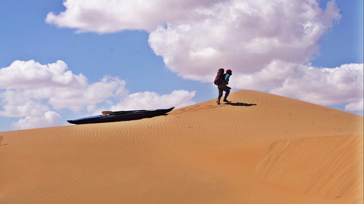 一个人,一叶舟,漂流探险家闪米特的航行历程图片