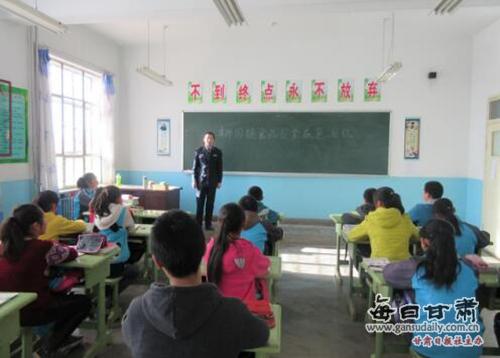 瓜州县柳园镇:我是小小安全员,食品安全带回家