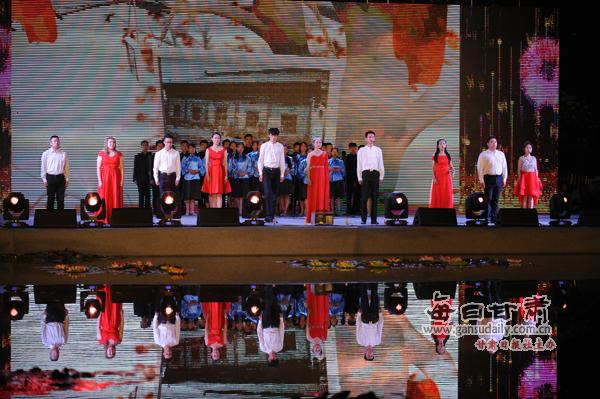 无伴奏人声合唱《贝加尔湖畔》,民乐合奏《凉凉》等节目清新流畅,美妙