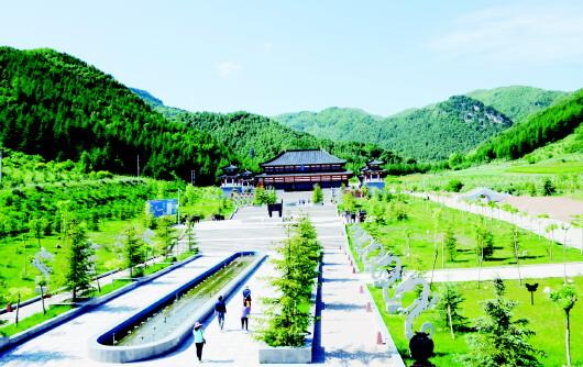 青山绿水蓝天 最是宜人风景