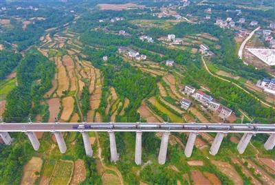 岷县:兰渝铁路带来的一通百通