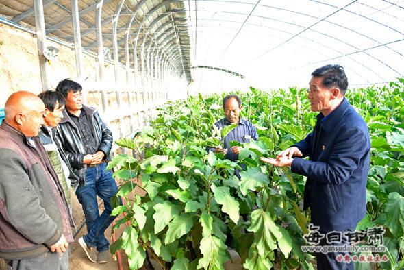 本网记者专访十九大代表胡中山