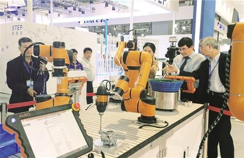 人机协作引领机器人产业新趋势