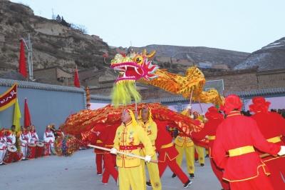 兰州:村民耍社火 山村增年味
