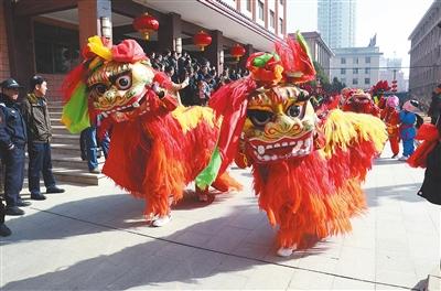 龙腾狮舞闹新春