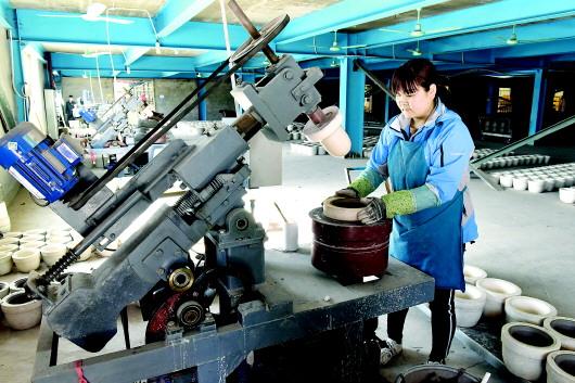 平川区引进现代化陶瓷生产线