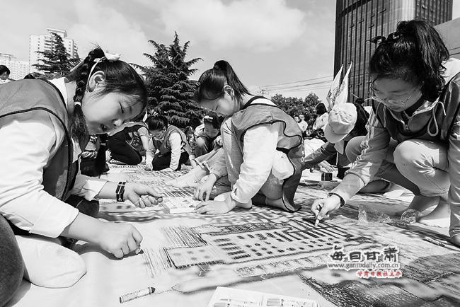 【图片新闻】甘肃省博物馆举行《春天的故事——改革开放40周年礼赞》图片