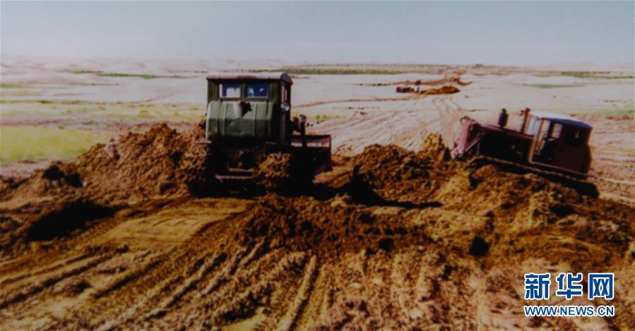 (新华全媒头条·在习近平新时代中国特色社会主义思想指引下——新时代新作为新篇章·图文互动)(4)绿富同兴画卷在沙海中铺展——库布其沙漠生态治理纪实