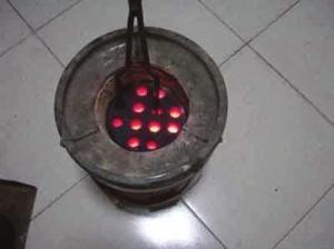 过去的蜂窝煤炉