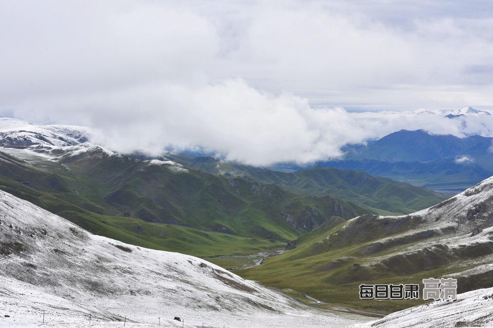 祁连山国家级自然保护区肃南段八月迎首场降雪