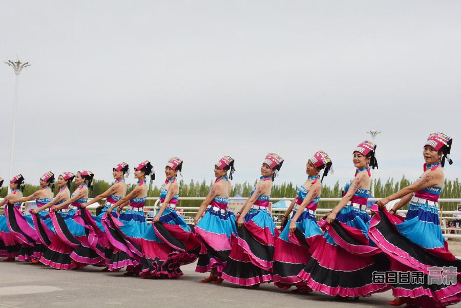 甘肃省民族广场舞大赛在阿克塞县举行