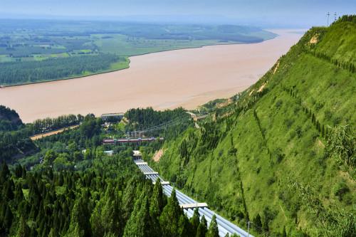 专题 2018年专题      大禹渡黄河风景区位于山西省南大门的芮城县城
