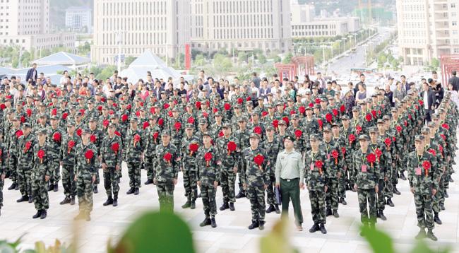 陇南市首批220名新兵应征入伍