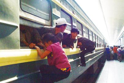 从绿皮火车到高铁动车组