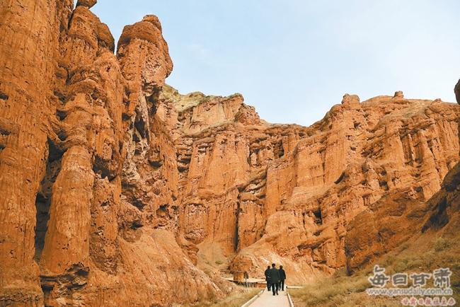 临泽:醉人的红沟峡谷