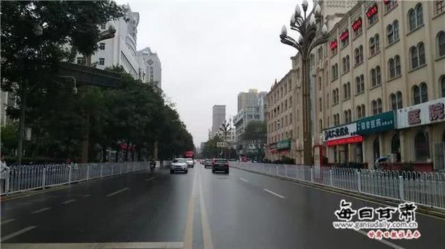 """【丝路话语】重视出租车集体玩""""失踪""""背后的合理诉求"""