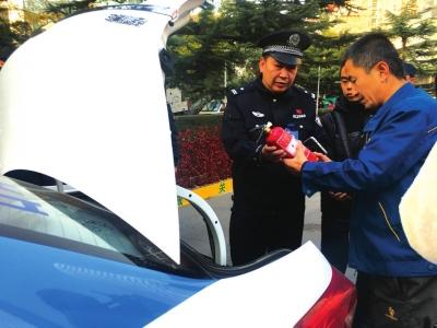 兰州市出租汽车行业服务质量提升及非法营运整治活动昨日启动