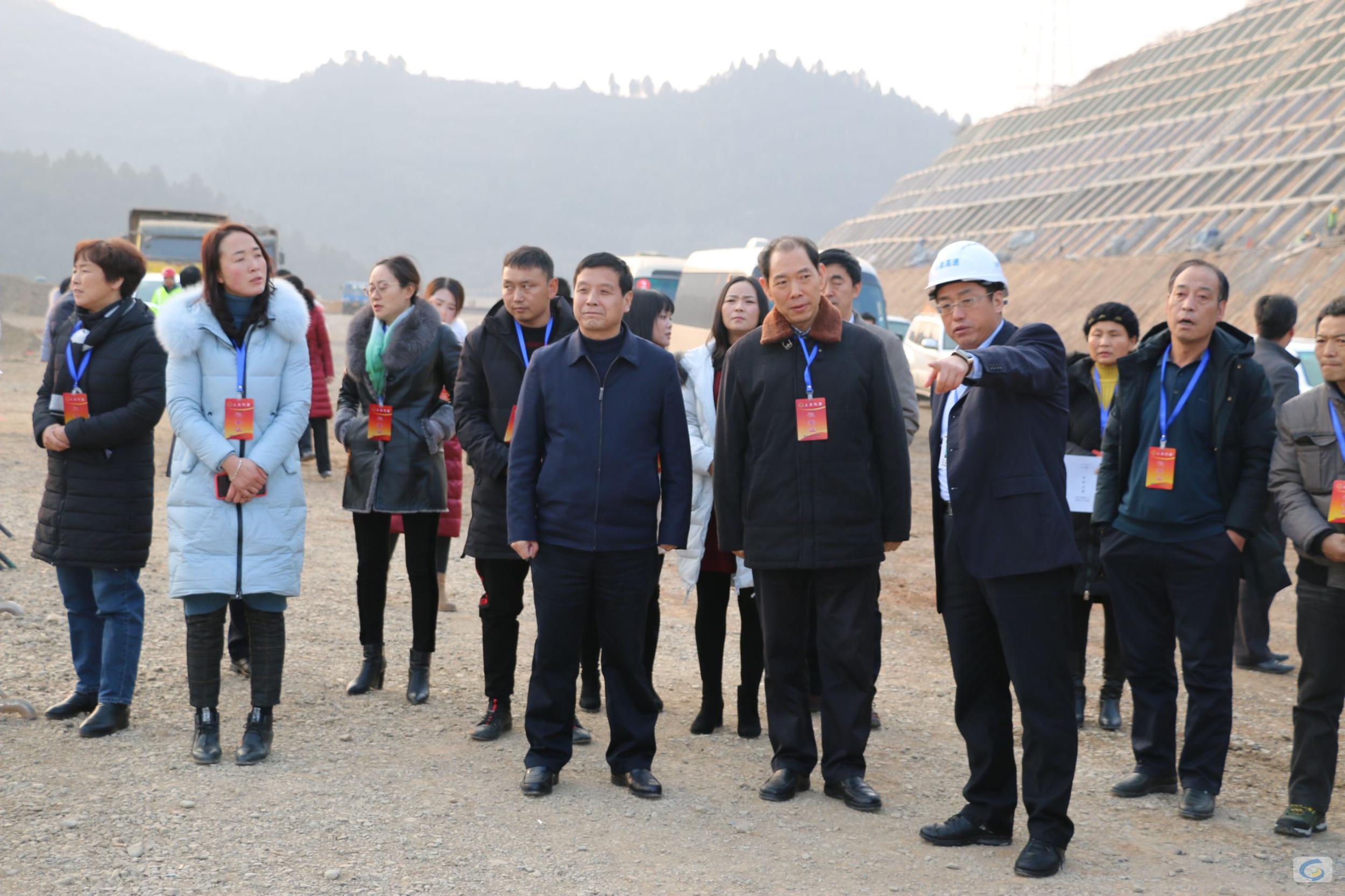 陇南市人大代表调研指导两徽高速