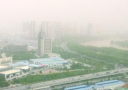 甘肃省多地出现沙尘天气