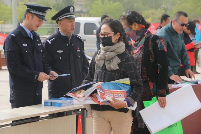 白银市开展第十一个全国防灾减灾日集中宣传活动