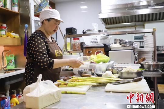 台湾阿嬷的私房菜:结交大陆朋友解台青乡愁