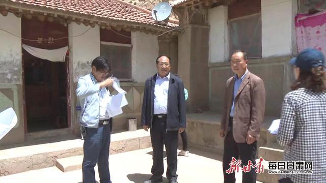 王科健、秦俊山带队入户核查,确保今年整县优质脱贫