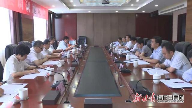 甘肃日报社社长王光庆指导会宁县融媒体中心建设工作