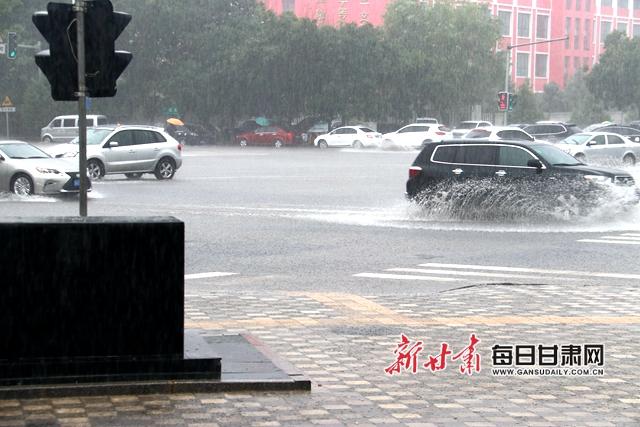 6月20日―21日,酒泉遇罕见暴雨,图片由酒泉市气象局提供.jpg