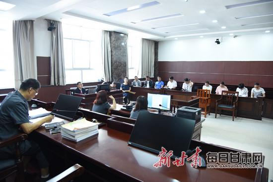 景泰县法院就被告人王兴礼等11人涉恶案件召开庭前会议