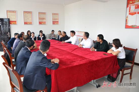 甘肃昌泰商贸公司员工赴高家渠村开展爱心帮扶活动