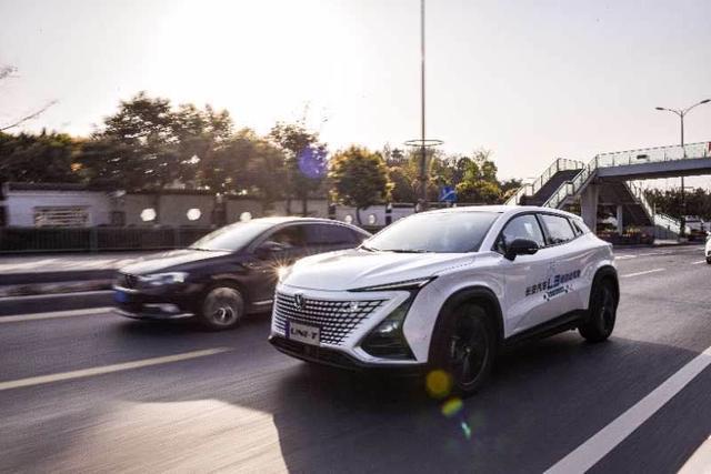 首个汽车CEO当主播为你实力亲测――中国首个L3级自动驾驶量产体验