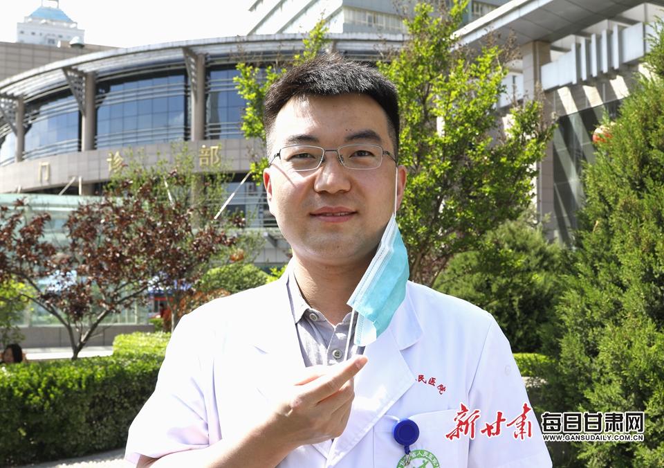 李海宁 麻醉手术科.JPG
