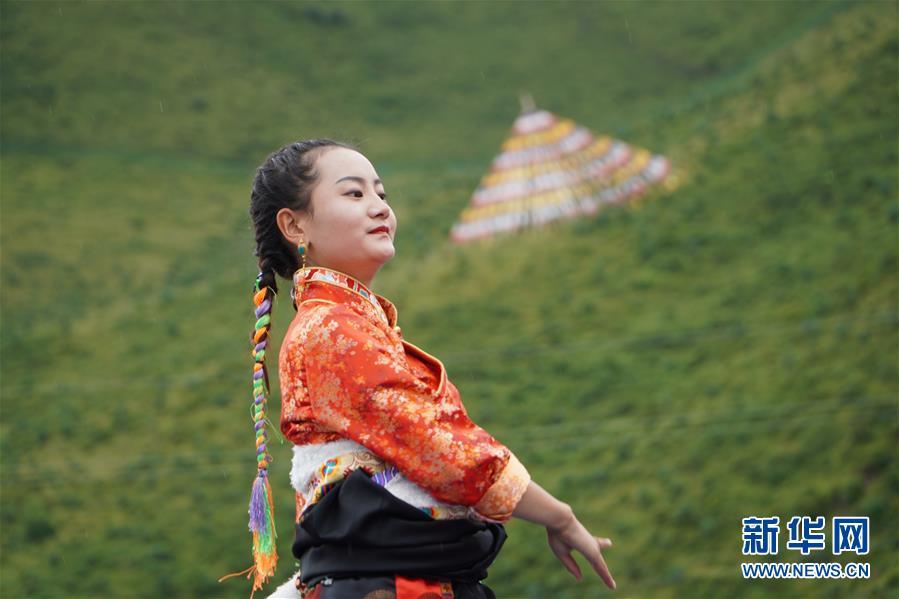 (文化)(5)甘肃碌曲:草原锅庄欢乐起舞