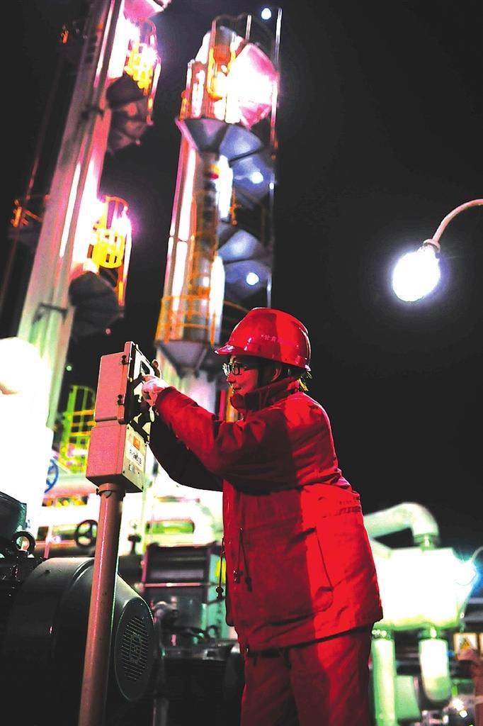 兰州热电公司提前开闸送热 锅炉、管网运行状况良好