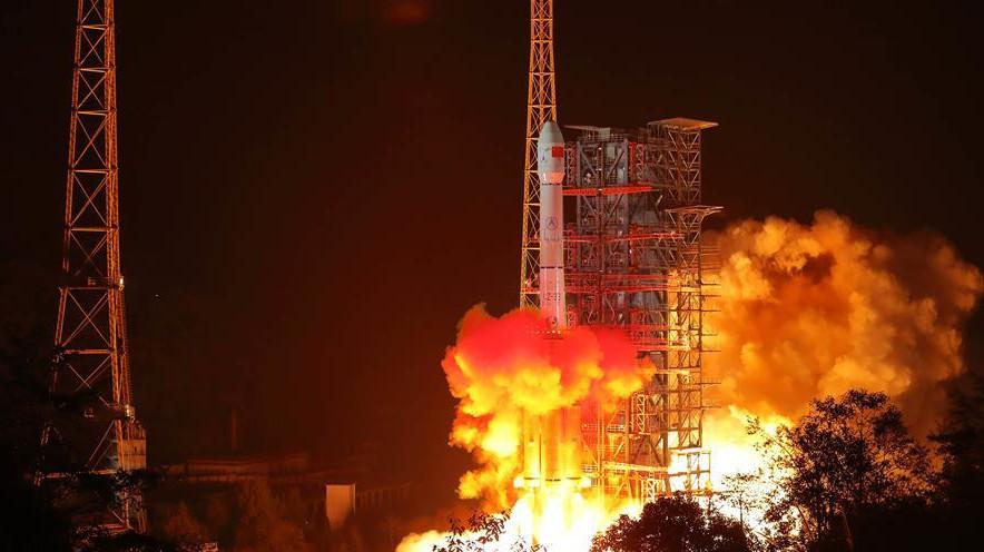 2018年12月8日2�r23分,我��在西昌�l星�l射中心用�L征三�乙�\�d火箭成功�l射嫦娥四�探�y器,�_�⒘嗽虑蛱�y的新旅程