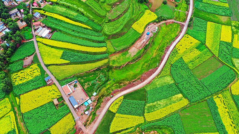 甘肃省提前两年实现建制村100%通