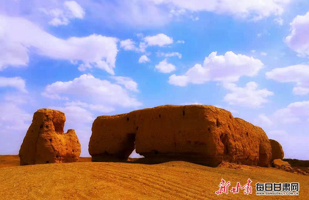 图为老师兔古城遗址  王俊  摄.jpg