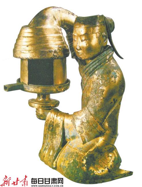 【打开眼界】将生活用品做成了艺术品 铜灯具:凝固匠心之美